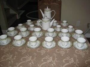 Noritake Contemporary Fine China, 45 piece Tea and Coffee set