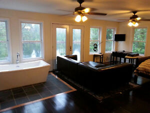 Large QUIET VERY PRIVATE Waterfront Cottage Rental