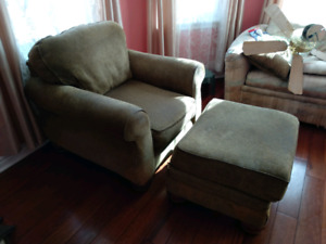 FREE Sofa chair with foot rest
