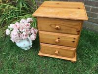Solid pine Bedside drawers ~ shabby ~ Upcycle?