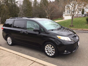 2011 Toyota Sienna Limited AWD in Excellent Condition