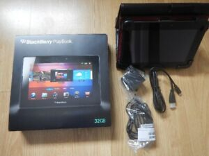Blackberry Playbook 32 Gb, avec étui Targus en Cuir
