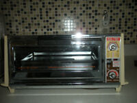 TOASTER OVEN - Like New