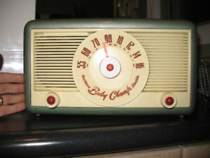 Northern Electric Baby Champ 5500 tube radio - WORKING