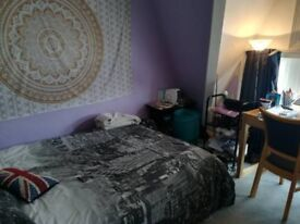 Spacious double bedroom close to pier