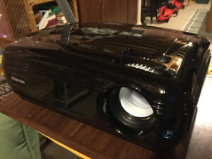 Home Theatre Projector and Electric Screen for sale
