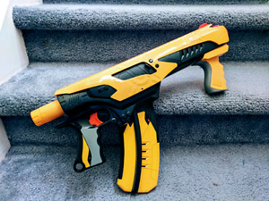 Nerf Quick-16 with Darts