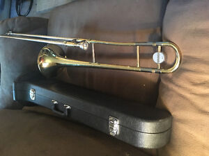 Yamaha student trombone with accessories for sale
