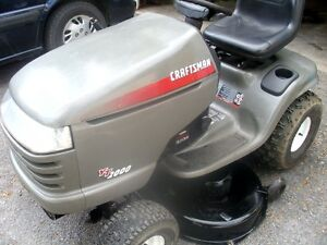 Craftsman Lawn Tractor,Great Condition Must Be Seen.