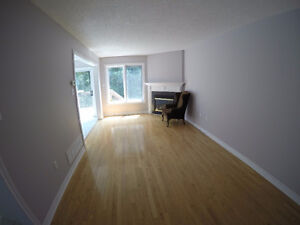 Townhome with Ravine (3 bedroom/2.5 bath) Richmond Hill for Rent