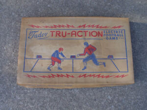 Vintage 1949 Model No. 500 Tudor Tru-Action Electric Football Ga