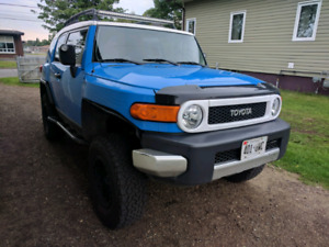 2007 fj cruiser, clean, low kms, open to offers