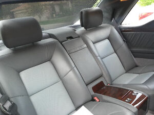 *** REDUCED *** BENZ...Luxury & V8 Power + MINT ! CARPROOF !