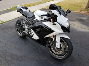 ONE OF A KIND 2007 SUZUKI GSX-R 1000 **MINT CONDITION**