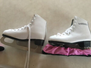 Figure skates size 4