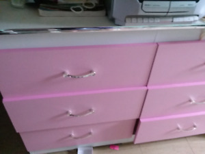 Girls bedroom set (NO BED)