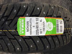 225/40R18, 4 pneus d'hiver Nokian Hakkapeliitta 8, flambant neuf