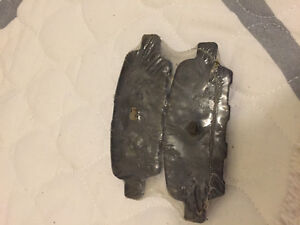 Nissan Infiniti rear brake Pad one side only  Not pair