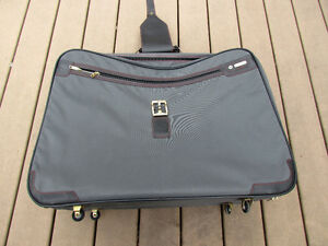 Samsonite Suitcase grey in great condition,with rollers,light Strathcona County Edmonton Area image 7