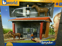 BRUDER 62520 STABLE plus Horse & Figure