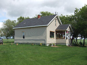HOUSE WITH 2.96 ACRES NEAR WESTLOCK AND BARRHEAD