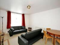3 bedroom flat in Froghall Place, , Aberdeen, AB24 3JS