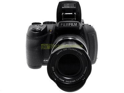 Fujifilm Finepix S2000 HD digitale bridge 10Mp. zoom 15x 28/414mm. equivalente.
