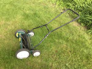 """18"""" Reel lawn mower"""