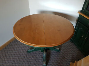 REDUCED MAPLE Table and Chairs/China cab