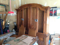 Antique Drexel Heritage Dining Room set and Hutch