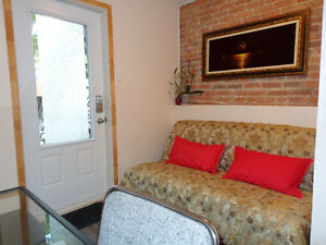 High quality flat. Bel apartement. Métro Frontenac. Ville Marie