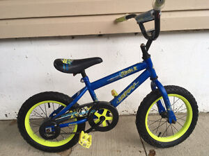 Boy's bike suitable for a 3-5 year old
