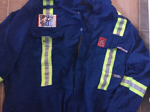 4x FR coveralls like new