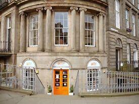 3 bedroom flat in Annandale Street, New Town, Edinburgh, EH7 4AW