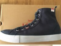 GENT'S LEVI'S BOOTS (SIZE 8) - NEW!!