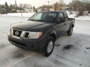 2014 Nissan Frontier SV - V6 - 4WD - Low Kms