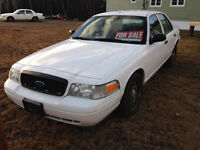 2009 Crown Victoria- $2000 Tax Included! Drive Away!