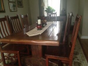 Dinning Room Table and Matching Chairs