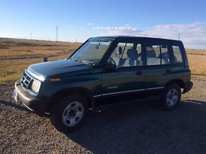 1997 Geo Tracker LOW KM 4x4!!