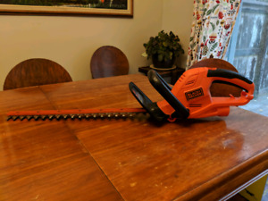 "B&D 22""  Electic Hedge Trimmer"