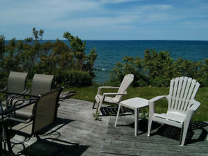 Southampton Lakefront ,sleeps 6,$1150/week
