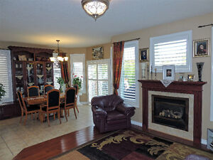 LACKNER WOODS-ALL BRICK BUNGALOW READY TO MOVE-IN Kitchener / Waterloo Kitchener Area image 10