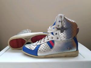 Ladies Shoes size 6-7