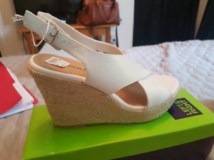 Brand new women's size 7.5 summer shoes
