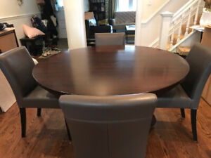 Round Table Buy Or Sell Dining Table Amp Sets In Toronto
