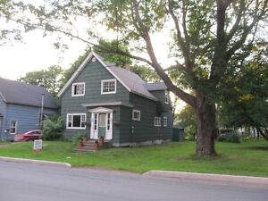 4 bedroom house for rent in Amherst NS