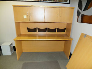 Great Condition Wood Desk!!