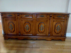 Antique ( Mixed: Bedroom Set: Chest of Drawers/Dressers/DiningRm