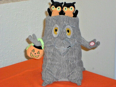 Halloween Animated Singing  Addams Family Tree Plush - Light/Sound/ Motion ()