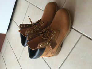 Timberland pour homme 10 1/2 130$